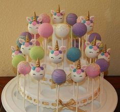 Einhorn Cake Pops – Cup cakes – - All You Need To Know About Baby Shower Unicorn Themed Birthday Party, First Birthday Parties, Birthday Party Decorations, 5th Birthday, Unicorn Party Decor, Unicorn Birthday Cakes, Birthday Cake Pops, Children Birthday Party Ideas, Unicorn Baby Shower Decorations