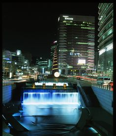 Cheongyecheon Plaza at night, Seoul by crees84, via Flickr