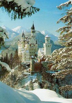 Schloss Neuschwanstein... war ich noch nie... wenn das nur ohne die ganzen Touristen ginge! Das wär schöm!