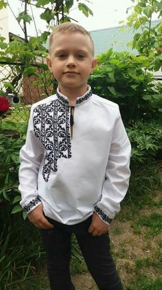Boys Clothes Style, Diy Clothes, Clothes For Women, Camisa Multicolor, Boys Kurta Design, Banded Collar Shirts, Mens Kurta Designs, Mens Designer Shirts, Sewing Blouses