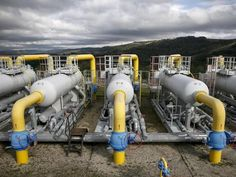 © Gleb Garanich - Crimea turns on gas supply to freezing Ukrainian town