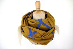 einfarbig - LOOP blau curry - ein Designerstück von Springinkerl bei DaWanda