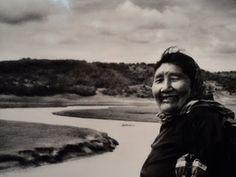 Ángela Loij en 1972. Foto de Anne Chapman. Pueblo aborigen de la Isla Grande de Tierra del Fuego