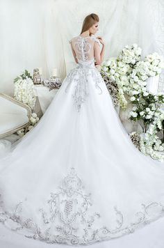 Dar Sara 2014 ~ More beautiful wedding gowns added daily @ https://www.pinterest.com/tanja62287/white-wedding/
