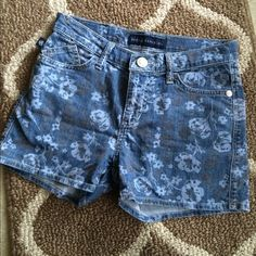 Rock and Republic denim shorts Rock and Republic denim shorts. Very light weight with a cute pattern. Perfect for summer! Rock & Republic Other