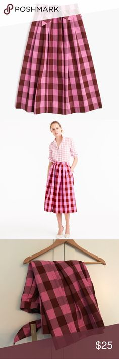 NWT J.Crew Midi Skirt in Oversized Gingham Gorgeous and flattering cotton skirt in pretty pink and wine colors. On-Sean pockets, back zip. J. Crew Skirts