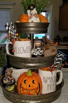 Charming Halloween Decoration Ideas For Your Kitchen. Here are the Halloween Decoration Ideas For Your Kitchen. This article about Halloween Decoration Ideas For Your Kitchen was posted Casa Halloween, Looks Halloween, Halloween Kitchen, Halloween Home Decor, Diy Halloween Decorations, Fall Home Decor, Holidays Halloween, Halloween Crafts, Homemade Halloween