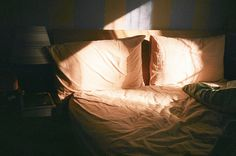 Image about photography in sheets by bruno on We Heart It Fallout New Vegas, Skam Isak, Jolie Photo, Morning Light, Sunday Morning, Light And Shadow, In This Moment, Lights, Canning