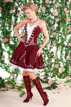 Menyecske zsinórral csizmával Folk Fashion, Fashion Show, Womens Fashion, Fashion Design, Folklore, Dirndl Dress, Special Occasion Outfits, Beautiful Costumes, Female Girl