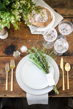Fall Tablescape Inspiration - Fashionable Hostess | Fashionable Hostess