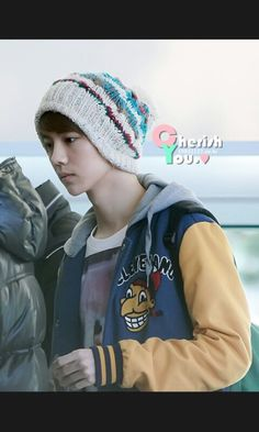 Luhan, Bucket Hat, Hats, Fashion, Moda, Hat, Fashion Styles, Fashion Illustrations, Fashion Models