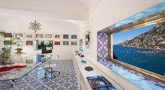 Dotato di camere e suite con interni sontuosi e affaccio sul Mar Tirreno, il lussuoso hotel Villa Treville sorge su una scogliera nel cuore della Costiera...