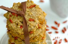 These chewy vegan oatmeal goji berry cookies are loaded with wholesome ingredients, such as fiber rich oats and goji berries and omega 3 rich flax seed. Goji Berry Recipes, Oats Recipes, Baby Food Recipes, Cookie Recipes, Dessert Recipes, Yummy Recipes, Free Recipes, Desserts, Vegan Recipes