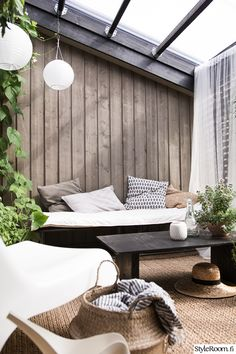 Rivitalopiha - Sisustuskuva jäseneltä jaana_k - StyleRoom. Outdoor Spaces, Outdoor Living, Outdoor Decor, Garden Inspiration, Interior Inspiration, Modern Loft, Pergola Designs, Lounge, Beautiful Homes