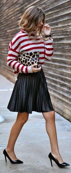 Black Pleated Skirt by Mi Aventura Con La Moda