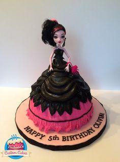Draculaura Monster High Doll Cake