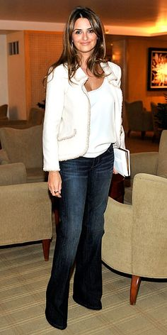 Penelope Cruz.  Knows how to rock the jeans, blazer and heels with her eyes closed.  I love the little details she adds to her casual outfits.  The trim on the blazer is an example of this.  Fabulous.