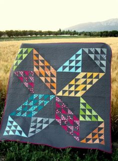 Stunning Half Square Triangle Star Patchwork Quilt - designed by Amy Smart of Diary of a Quilter Triangle Quilt Pattern, Half Square Triangle Quilts, Modern Quilting Designs, Modern Quilt Patterns, Star Quilt Blocks, Star Quilts, Scrappy Quilts, Pinwheel Quilt, Traditional Quilts