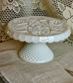 White Milk Glass Plate Cake Stand Pedestal by jlplatesandplatters Vintage Cake Stands, Sandblasted Glass, Antique Glassware, Fenton Glass, Glass Dishes, Carnival Glass, Cake Plates, Glass Collection, Colored Glass
