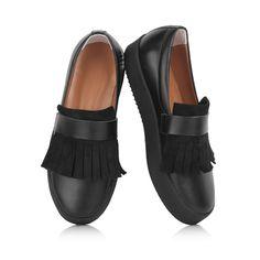 KACHOROVSKA / fall 2016 black-leather-slip-on-with-black-suede-knotting http://kachorovska.com/catalog/zh-nkam/vzuttya/sl-poni/sl-poni-chorn-shk-ryan-z-bakhromoyu/