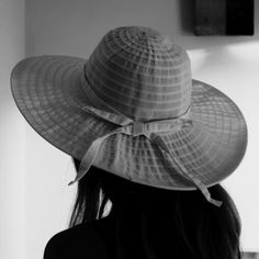 The way we see is unique the way we dress we choose to be unique # white hat # hat - Sold by Elegant, Unique, Shopping, Woman, Things To Sell, Dresses, Summer, Fashion, Dapper Gentleman