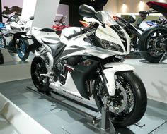 This was my baby!!!! CBR600rr. Beautiful!
