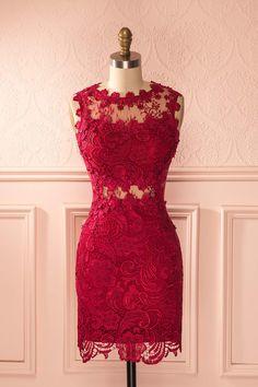 Raffinée et audacieuse, cette robe vous donnera une apparence majestueuse…
