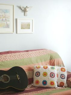 Crochet pillow covers for girls ' beds to replace the ripped ones that came with the bedding.