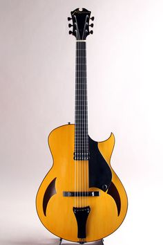 Marchione Guitars[マルキオーネ ギターズ] 15 inch Archtop Spruce Top Flame Maple Side & Back 2012|詳細写真