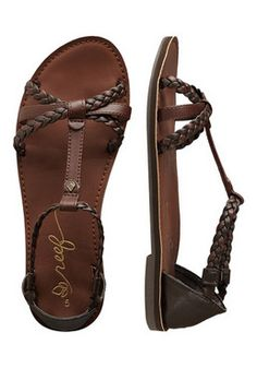 Reef Naomi. The only flat sandals that i ever liked.