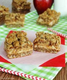 Cinnamon Apple Oatmeal Cheesecake Bars