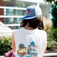 Street Style, Toronto Blue Jays: See 23 stylish shots of our favourite fans Toronto Street, Beauty Magazine, High Fashion, Street Fashion, Toronto Blue Jays, Street Outfit, Must Haves, Most Beautiful, Women Wear