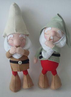 Feltro: Sete anões Teddy Bear, Christmas Ornaments, Toys, Holiday Decor, Animals, Home Decor, Seven Dwarfs, Fabric Dolls, Fiestas
