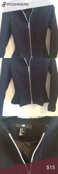 Jacket Tight light jacket pre owned in excellent condition. Worn twice H&M Jackets & Coats