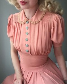 I'm basically a Polly Pocket today. New to my wardrobe, vintage late sof. - I'm basically a Polly Pocket today. New to my wardrobe, vintage late soft pink swing dress with macaron blue deco buttons . Source by brothersandme - Vintage Outfits, Dress Vintage, Vintage Pink, 1930s Dress, Vintage Wardrobe, Retro Dress, Vintage Clothing 1940s, Vintage Style Dresses, Vintage Buttons