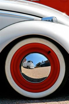 gregmelander:  VWs A great image with a great iconic object.