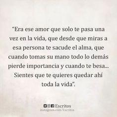 Te sacude el alma. Buena noche a todos. - Cristina Ramírez Salas - Google+ 35 Goodnight Quotes for Her @GirlterestMag #Goodnight #Quotes #texting?