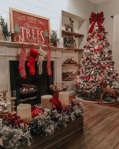 Looking for for images for farmhouse christmas decor? Browse around this website for very best farmhouse christmas decor pictures. This unique farmhouse christmas decor ideas will look entirely brilliant. Indoor Christmas Decorations, Christmas Ornaments To Make, Christmas Mantels, Noel Christmas, Outdoor Christmas, Simple Christmas, Homemade Christmas, Black Christmas, Christmas Movies