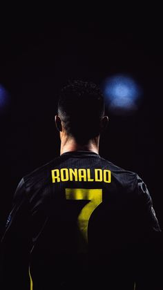Cristiano Ronaldo Cr7, Cr7 Messi, Cristiano Ronaldo Portugal, Cristino Ronaldo, Ronaldo Football, Real Madrid Captain, Real Madrid Team, Soccer Player Quotes, Soccer Players