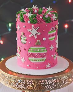 Likes, 170 Comments - Denise Steward Christmas Cake Decorations, Holiday Cakes, Holiday Desserts, Fun Desserts, Christmas Birthday Cake, Christmas Sweets, Christmas Baking, Christmas Cakes, Beautiful Birthday Cakes