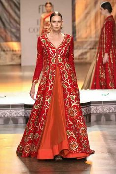 Reynu Taandon at India Couture Week 2016 Indian Wedding Outfits, Indian Outfits, Indian Clothes, Pakistani Dresses, Indian Dresses, Indian Bridal Lehenga, Indian Attire, Indian Wear, Indian Couture