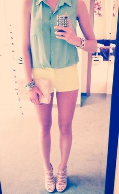 Prettyy pastel outfit!