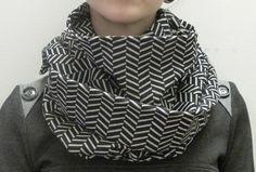 Blank   Foulard multifaçons #modeMtl Fashion, Scarf Head, Moda, Fasion, Trendy Fashion, La Mode