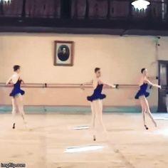 Evgenia Obraztsova (center) at the Vaganova Ballet Academy