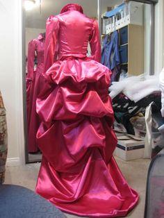 Victorian Costume Gown irene Adler - Sherlock Holmes Movie #timetravelcostumes @TimeTravelStyle