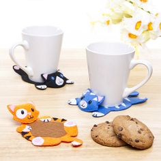 Purrfect Placemats - make these cute cat coasters from felt. Click for tutorial and template.
