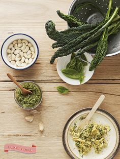Pesto from Sarah Wilson's best-selling I Quit Sugar cookbook. Pre-order your US copy today! Ginger Smoothie, Smoothie Prep, Clean Eating Snacks, Healthy Eating, Healthy Tips, Healthy Recipes, Paleo Meals, Kale Pesto, Exotic Food