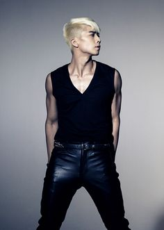 "2pm Wooyoung ""23, Male, Single"" Blonde Medium Fringe Close Shaved Sides"