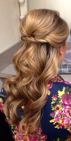 Half-up hair styles. I like the first one on the right, and the second, third and fourth on the left. (2) prettyweddingidea...