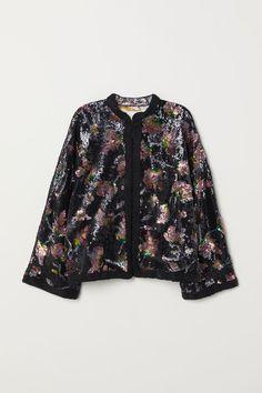 4484a2b50d29 27 Best Outerwear images   Fashion online, Scandinavian fashion, Jade